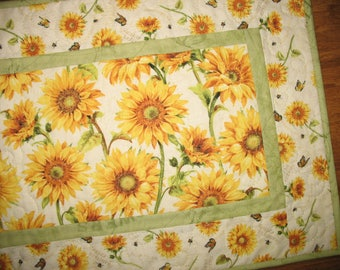 Sunflower Table Runner, Summer, Fall, Autumn, quilted table runner, handmade, focus fabric Wilmington Prints