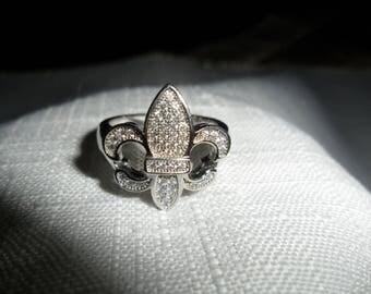 Vintage Fluer de Lis Sterling Silver CZ Ring Size 6