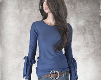 Blue crew top/Ruffle bow long sleeve/pull over tee