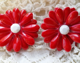 CHIC Flower Power Red Clip Earrings w/ White Rhinestone Centers VINTAGE