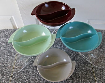 Vintage Boonton Winged Divided Bowl | Your Choice Between 3 Retro Shades | Boontonware Melmac Serving Bowl with Wing Handles | Yin & Yang