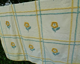 Chenille Bedspread. Yellow & Blue Daisy Flowers. Vintage 1950s. Twin Size. Cottage, Farmhouse, Beach House, Shabby Chic, Summer Decor.