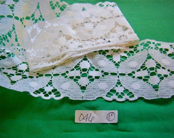 "LACE FLAT TRIM White 1 yard 9 inches long   3 1/4"" wide  046"