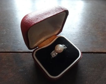 Vintage English Red Ring Box Jewellery Jewelry Presentation Gift Case Worn Old BOX ONLY circa 1950-60's / English Shop