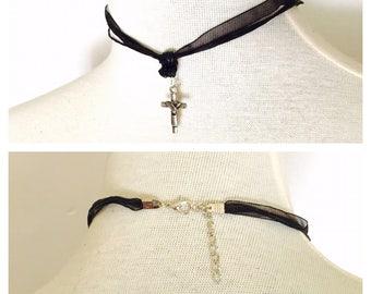 Black Lace choker, cross pendant, silver tone, dainty, romantic, juvenile, item no. De424