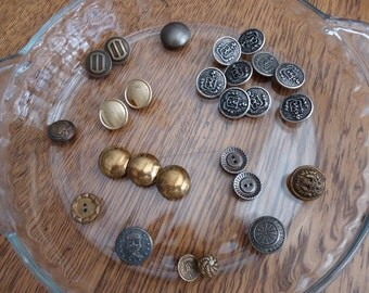 Lot Metal Buttons,  26 metal buttons
