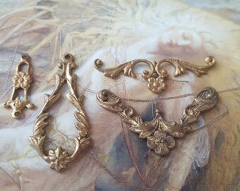 4 Rare Floral Vintage Old Brass Deco Filigree Connector Drop Pendants Victorian