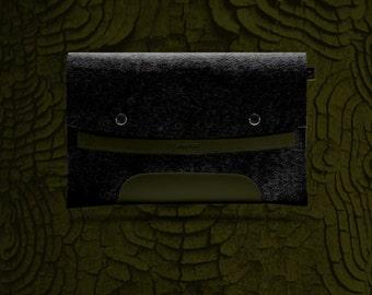 Macbook Pro 13 inches. Khaki Leather & Black Wool Felt.