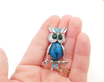 Vintage Mid Century Turquiose Stone Owl Bird Costume Jewelry Pin or Brooch Dr35