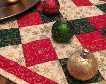 Red Christmas Table Runner - Quilted Table Runner - Holiday Table Runner - Holiday Table Decor - Hostess Gift - Christmas Table Runner