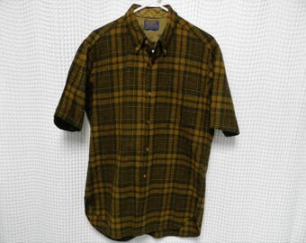 vintage Pendleton board SS Shirt Wool 60s 70s outdoor lumberjack Mens L USA made olive green mustard plaid flannel tartan