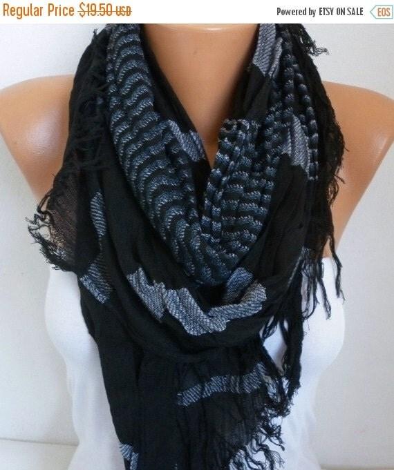 ON SALE --- Black Cotton Tartan Unisex Scarf,Teacher Gift, Fall Winter Shawl, Plaid Cowl Men Gift Ideas For Her For Him Women Fashion Access