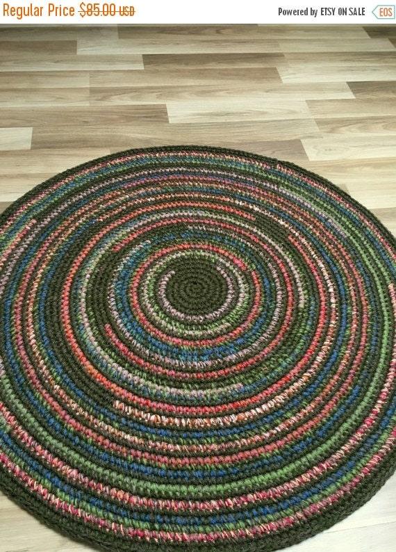 ON SALE Beautiful hand crochet rug in moss green, 37'' in diameter