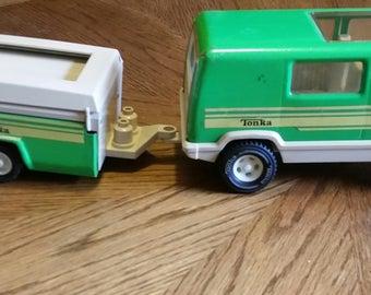 Fisher Price Adventure People Green Van and Pop Up Camper w/figures 1980's
