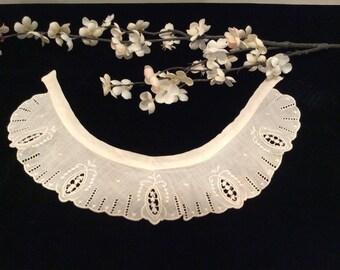 Vintage Scalloped Edge Embroidered Eyelet Cotton Lace Collar, Antique Lace Collar, Embroidered Lace Dress Collar