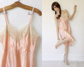 50's Slip in Peach and Cream White, Satin Negligee Dress, Bias Cut, Fitted Cups, Lace Trim, Size Large L or Ladies 12, 8 Gore Slip, Vintage