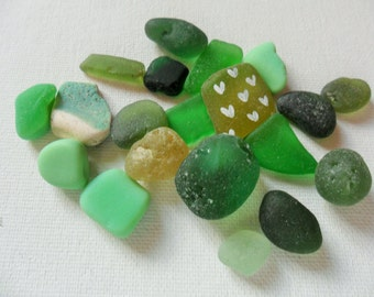 20pc mixed green sea glass & pottery - Lovely beach find pieces from England