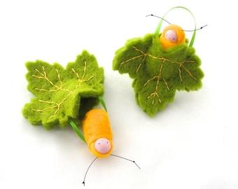 Leaf ornament // caterpillar baby // waldorf decor //spring green // advent calendar // LOSG1