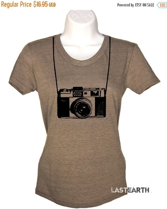 ON SALE Womens Camera T Shirt I Shoot People With My Camera T Shirt Photographers Gifts For Her Outdoors Photography Joke T Shirts Ladies T