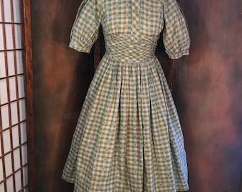 Vintage Dress blue green fingham Texas Dress Maker Design  small size Hearts Motif
