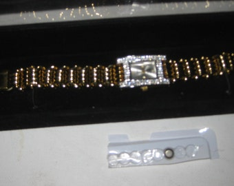 Quartz Watch New Gold Tone Diamond Crystals