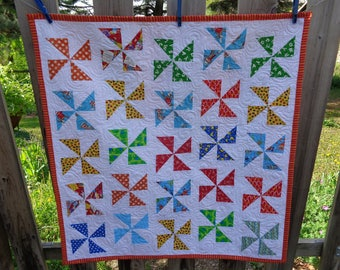 Baby Quilt, Baby Quilt, Pinwheels Quilt, Bright Modern Quilt 0515-01