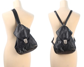 BLACK Leather Backpack 90s Medium Size Real Leather Distressed Rucksack Transformable to Unistrap TRIANGLE Knapsack Pockets School Grunge