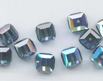 Twelve beautiful 8 mm Swarovski crystal cubes - art 5601 - 8 mm - montana AB