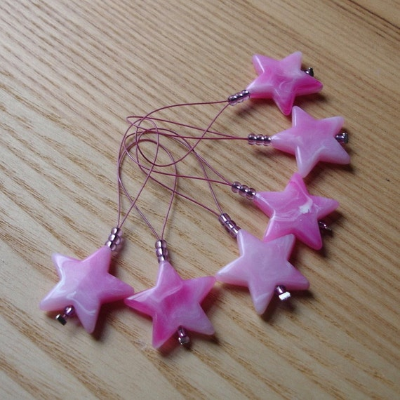 Knitting Tools - Stitch Marker Set Snag Free pack of 6 - Large Star Bead - Gift for Knitters, Yarn Lover - Cute Glass Stitch Markers
