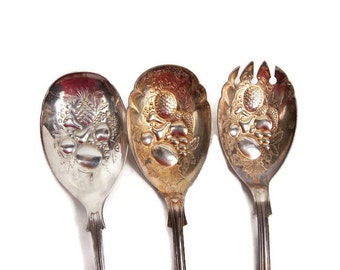 Vintage Sheffield England Kings Pattern Berry Spoons Embossed Fruit Design Gold Silver Plated Repousse Bowls Serving Spoons EPNS A1 Set of 3
