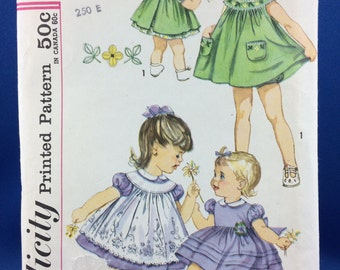 Simplicity 3807 Pattern - Uncut Complete. 1960s Girl Dress Pattern Size 3 - Pinafore and panties/bloomers