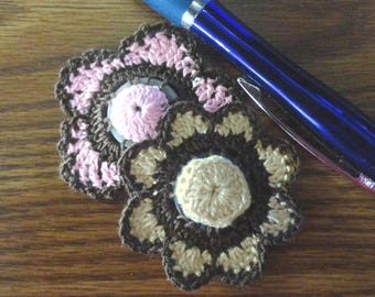 Button flowers #bf015 lot of 2 crochet appliques bouquet decoration adornment embellishment motifs wedding birthday