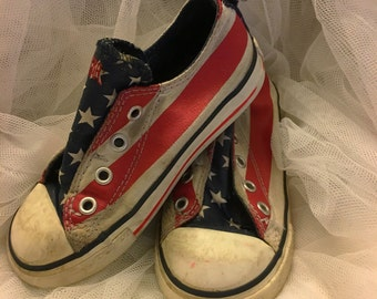 Red, White and Blue converse shoes for toddlers, All American vintage converse shoes , Converse shoes for little boys (size 9)