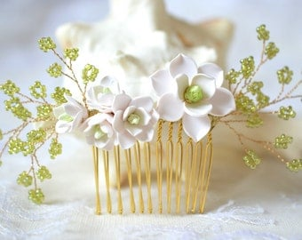 White Magnolia Bridal Comb. Magnolia hair comb. Magnolia bridal headpiece, Magnolia bridal Hair comb