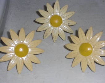 Set of 3 Vintage Yellow Daisy Flower Napkin Rings