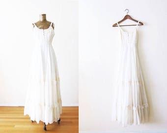 Vintage Gunne Sax Dress / 70s Gunne Sax Dress / White Maxi Dress / Vintage Boho Dress / Bohemian Wedding Dress / White Lace Maxi XS