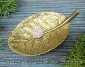 FREE SHIPPING Brass Leaf Dish Virginia Metalcrafters Gloxenia C 1948 Coin Tray Gold Tone Metal Woodland Solid Nature Trinket Vintage (578)
