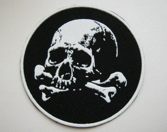 Patch badge - Scull black & white color