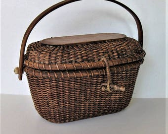"Vintage Nantucket style basket purse, woven wicker, Woman's accessory, 9 1/4"" x  9"", woven straw handbag, gift idea"