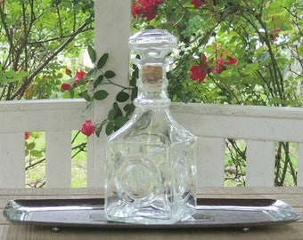 Vintage Clear Cut Glass Square Decanter with Stopper Elegant Social Gatherings, Barware