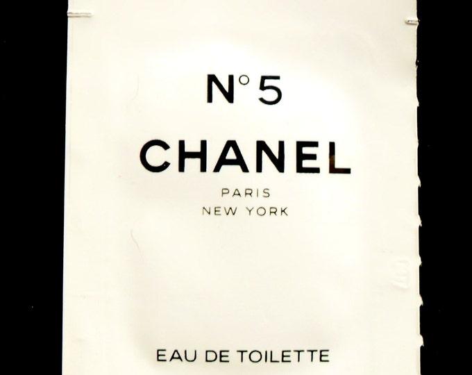 Vintage 1990s Chanel No. 5 by Chanel Eau de Toilette Sample Towelette Packet PERFUME