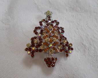 Vintage Christmas Tree Pin-P3089