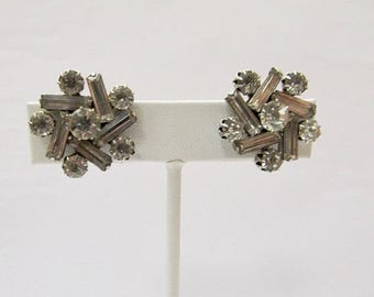 On Sale Vintage Prong Set Rhinestone Earrings Item K # 2902