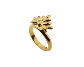 Baroque ring in gold plated silver