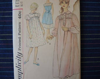 vintage early 1960s simplicity sewing pattern 3281 misses nightgown in two lengths size 12