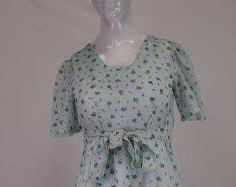Small Floral Print Vintage 1970s Dress