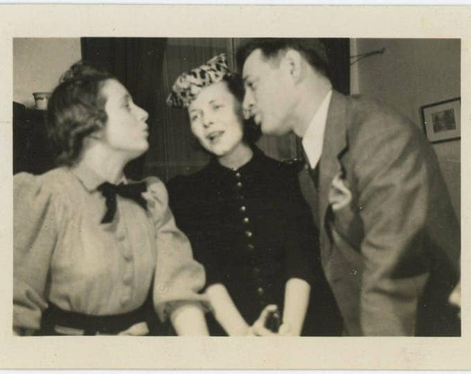 Singing Trio, c1940s Vintage Snapshot Photo (73553)