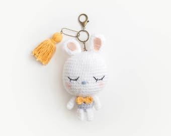 Keychain Amigurumi a White Bunny to Sleeping