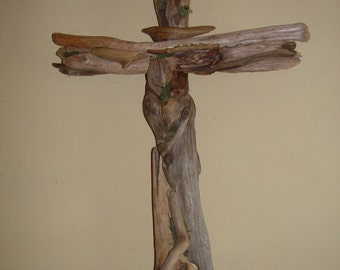 Medium Driftwood Wall Cross that reflects the beauty of God's creation.