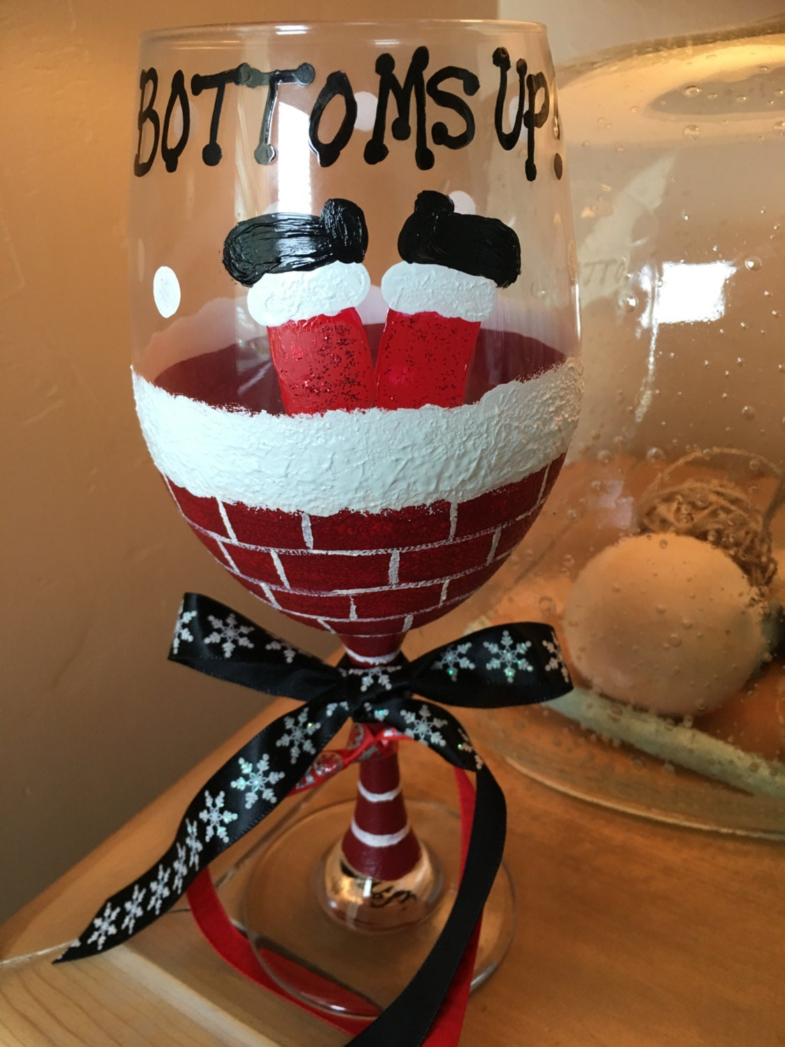 Bottoms up santa 20oz wine glass for Holiday wine glass crafts